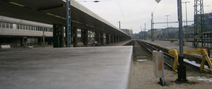 Komolyan gondolja a kormány: megszűnhet a Déli pályaudvar
