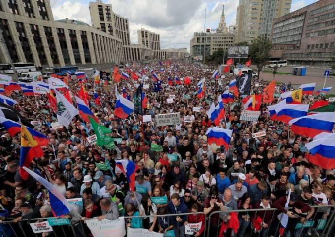 """Orosz szenátor: """"bizonyítékokat"""" talált az orosz felsőház moszkvai zavargások előkészítésére"""