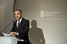 Az Orbán-kormány az SZDSZ útjára lépett