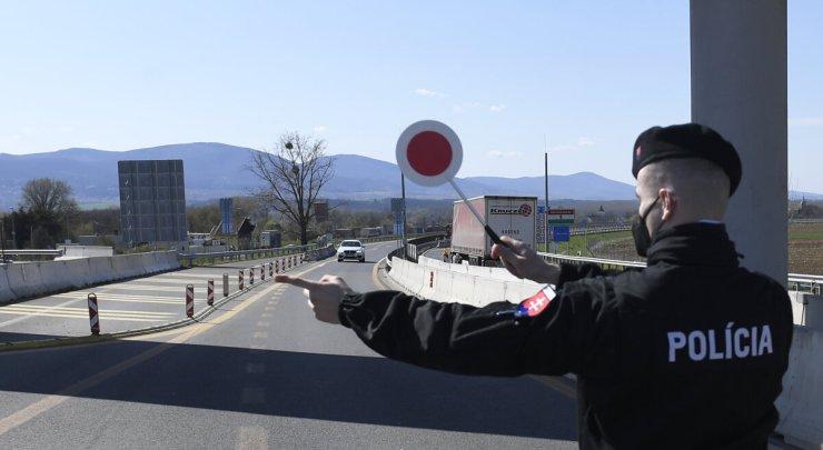 Mikulec szerint összeomlás várható a szlovák határokon