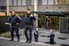 Svájcban is rengeteg fegyver van, de tömeggyilkosságból nincs sok