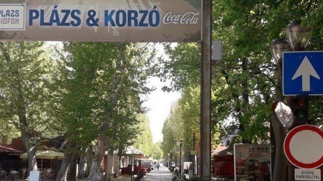 Arcfelismerő kamerákkal figyelik Siófok belvárosát