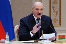 A fehérorosz elnök Kijevben az ukránok ellen harcoló fegyveresek megsemmisítésére szólított fel