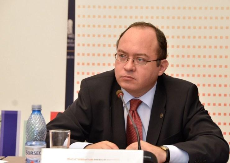 Konszolidálni kell a magyar-román kapcsolatokat az alapszerződés évfordulója alkalmából