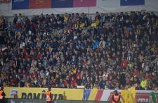 A román ultrák az északírek elleni meccsen is a magyarokat akarták kikergetni az országból