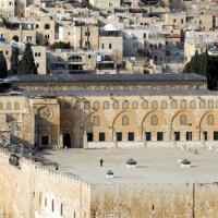 Izraeli telepesek rohamozták meg az al-Aksza mecsetet