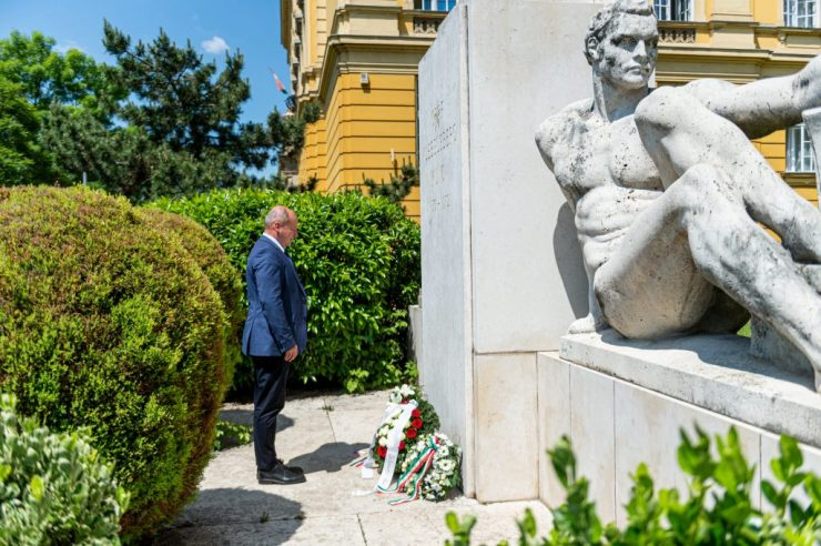 Nemzeti összetartozás napja – KDNP: Magyarországnak minden magyar fontos