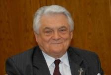 dr. Péterffy Árpád visszaadja a MOGYE díszdoktori címét, tiltakozásképpen