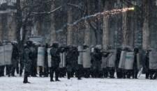 Kijevben az ellenzék vegyi anyagok bevetésére készült
