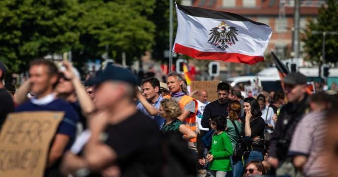 A nacionalisták álltak élére a korlátozások elleni tüntetéseknek Németországban
