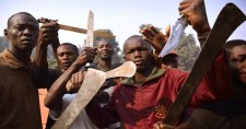 Dél-afrikai agrárminiszter: Ha már nem tudunk fehér embert ölni, beérjük egymás megevésével