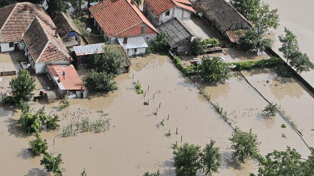 Súlyos eső- és viharkárok Kelet-Európában, árvíz Romániában