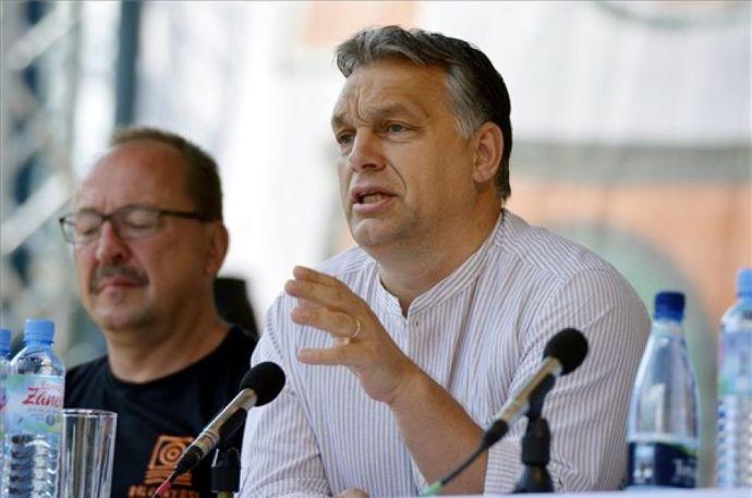 Dán kiállás Orbán Viktor mellett