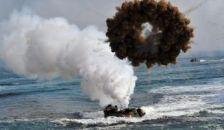 Tüzet nyitottak egymásra: katonai fenyegetés vagy hadgyakorlat?