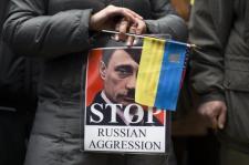 Medvegyev: Oroszország nem akar kapcsolatot a szerinte alkotmánysértő módon hatalomra került ukrán vezetéssel
