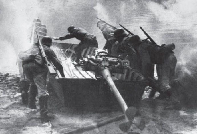 Amikor a híd túl messze van: a Wehrmacht és Vörös Hadsereg összehasonlítása a folyóátkelés területén