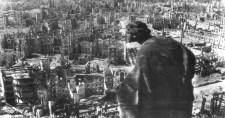 Egymillió menekültre zúdítottak szőnyegbombázást a szövetségesek Drezdában