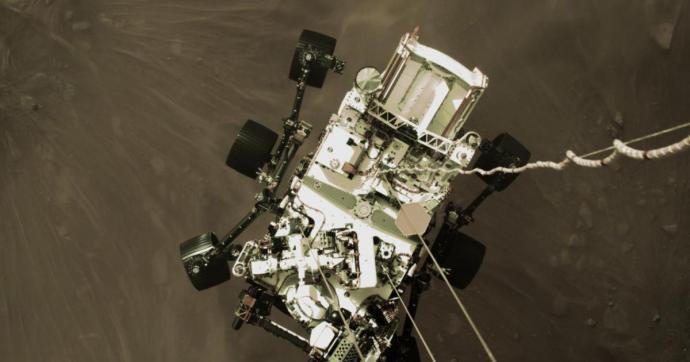 A NASA már bemutatta az marsjáró első, landolós videóját