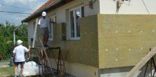 Ajándék milliókból újíthatja fel a házát idén nyáron: pályázat nélkül osztják a pénzt