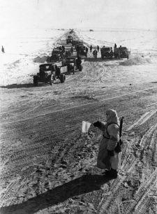 Fűleves és cukrozott föld – a leningrádi ostrom 900 napja