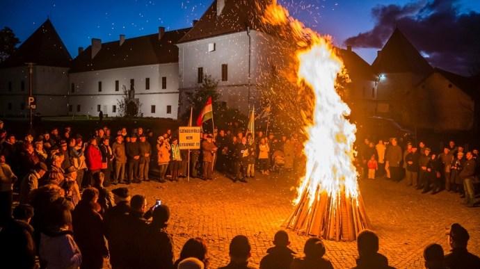 Ma őrtüzek  gyúlnak Székelyföld önállóságáért