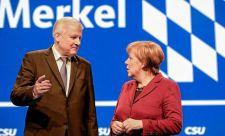"""Merkel raus! – Muttit """"lelkesedés nélkül"""" fogadták a bajor testvérpárt tisztújításán"""
