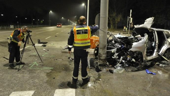Szívszorító fotók a hajnali budapesti halálos balesetről