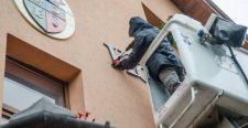 A FUEN elítéli a korondi magyar felirat miatt kirótt példátlan nagyságú bírságot