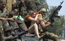 Ukrán katonák harc közben átkeltek az orosz határon