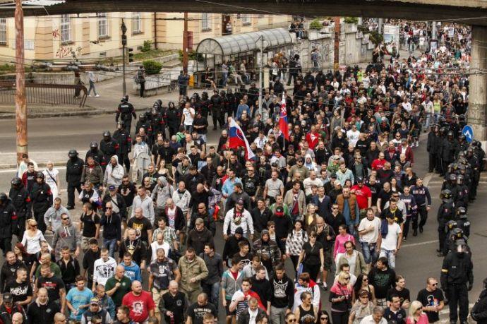 """Újabb tüntetés """"Európa iszlamizációja"""" ellen, az Iszlám Alapítvány óvatosságra int"""