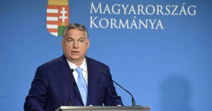 Nem engedték be az Alfahírt a kormányinfóra, mégis mi kérdeztük elsőként Orbán Viktort