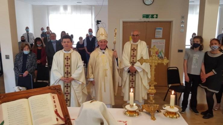 """""""Millió szív összecsengjen"""" – Püspöki szentmise úrnapján a londoni magyar katolikus közösségben"""