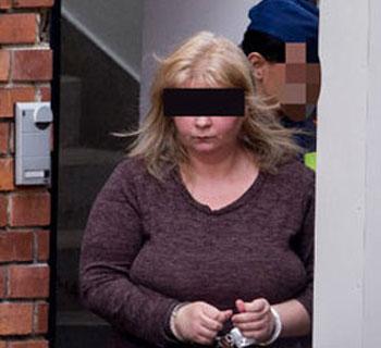 Életfogytiglanit kapott a kislányát 108 késszúrással megölő nő