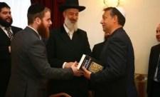 """""""Feladtad a 4000 évet négyért"""" – Köves Slomó ordító hallgatásai a fideszes zsidózásokról"""