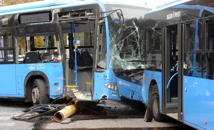 Súlyos buszbaleset Újbudán