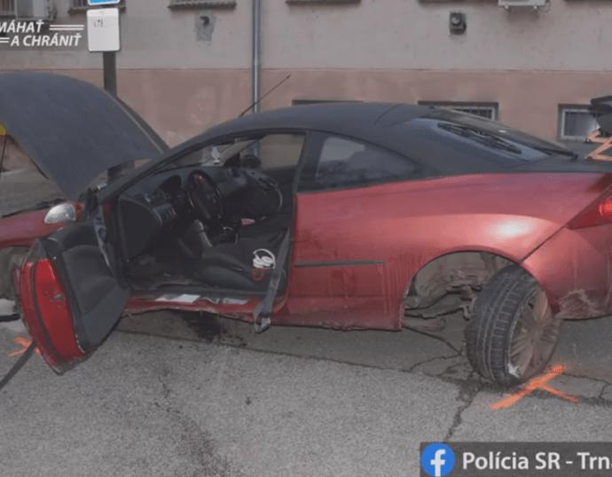 VIDEÓ: Balesettel ért véget az autós üldözés