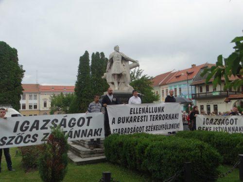 Iohannis nem kíván foglalkozni a Beke–Szőcs-üggyel