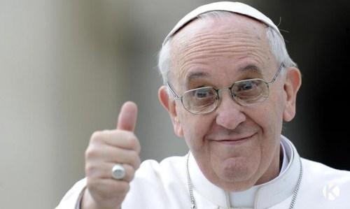 Meglepett násznép –  Ferenc pápa beugróként celebrált egy esküvőt