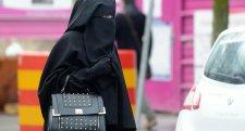 Betiltották a burkát egy iszlám országban