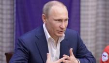 Putyin népszerűsége három éves csúcsán van