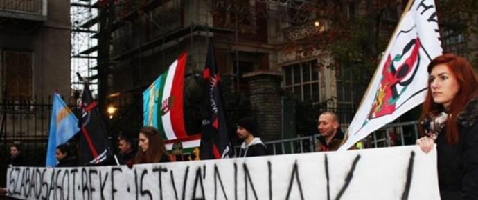 A külügy eddig nem rendelte be a román nagykövetet, a Jobbik most megteszi