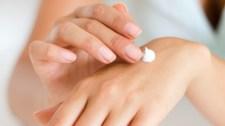 Kinyírja a kéz bőrét a sok kézmosás – bőrgyógyász segít, mit tegyünk és mit ne