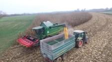 Elképesztő drónvideó a kukoricaaratásról a szabolcsi Döge községből