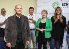 Ma már a momentumos polgármester asszonyt védi az Új Magyar Gárda főkapitánya