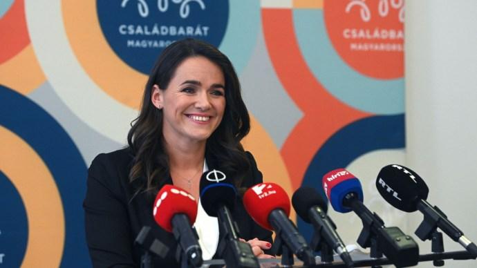Novák Katalin: Magyarországon alacsony a más nemzetiségű anyáktól származó születések száma