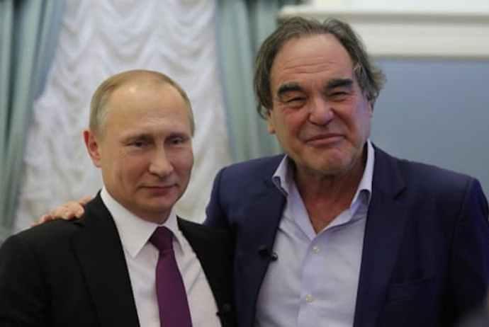 Oliver Stone felkérte Putyint, hogy legyen a 22 éves lánya keresztapja