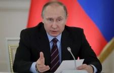 Putyin: Óriási a kockázat, de felül kell vizsgálni a XX. század történelmi hazugságait