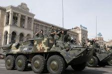 Kijev: kilőttek két, Ukrajnába behatolt orosz harckocsit és foglyokat ejtettek