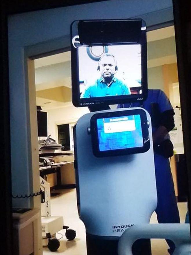 Amerikai álom: videóroboton keresztül közölte a beteggel az orvos, hogy napokon belül meg fog halni