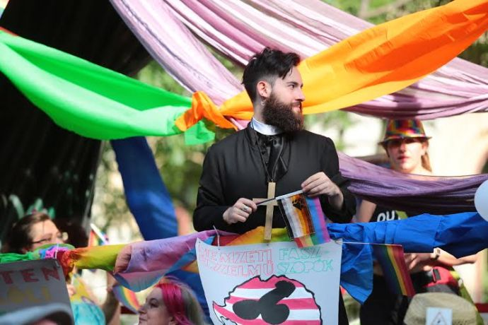 Egy debreceni hazafi feljelentette a Pride nemzetgyalázóját